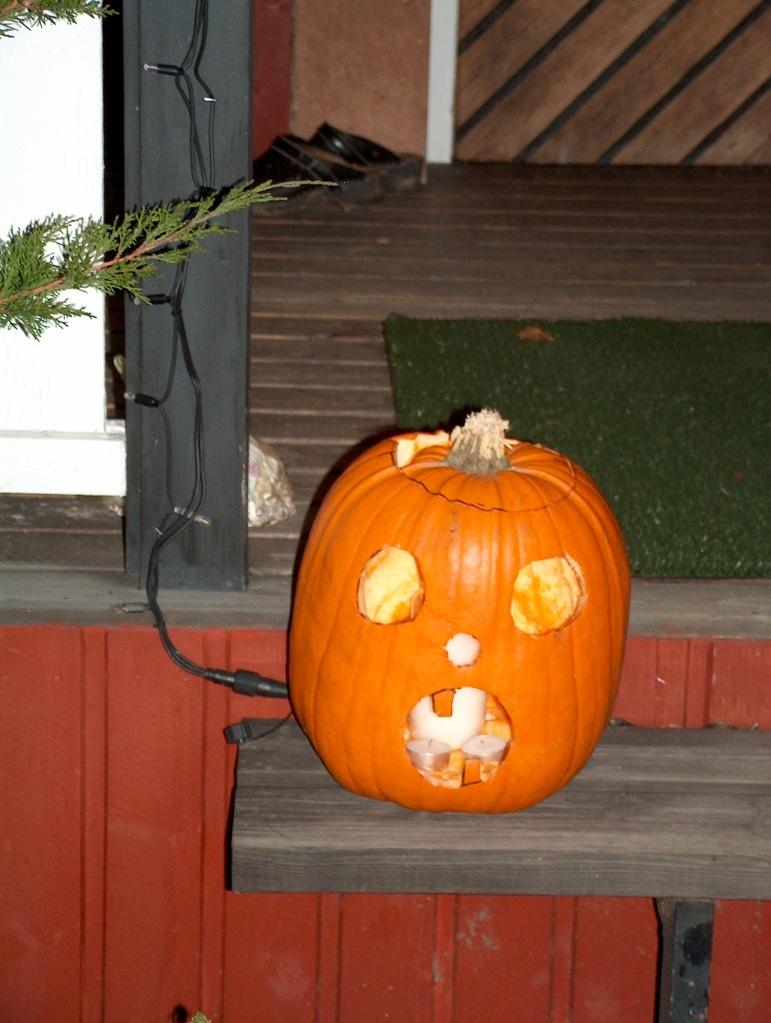 Another pumpkin greeter