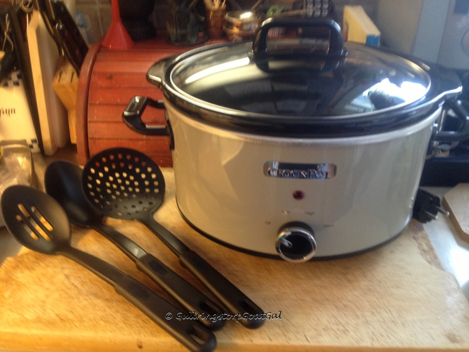 Look at my new crock pot. It came with 3 utensils for safe use with your crock pot.